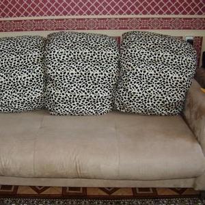Продам мягкую мебель б/у-1 год